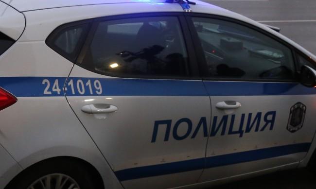 """Сръбски камион изгоря на магистрала """"Марица"""""""