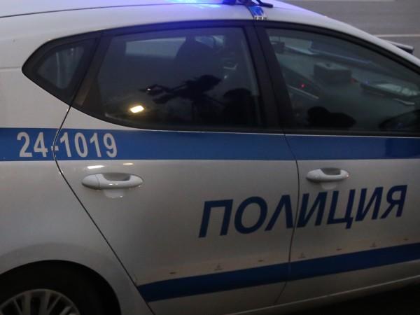 Сръбски товарен автомобил с ремарке се е запалил малко след