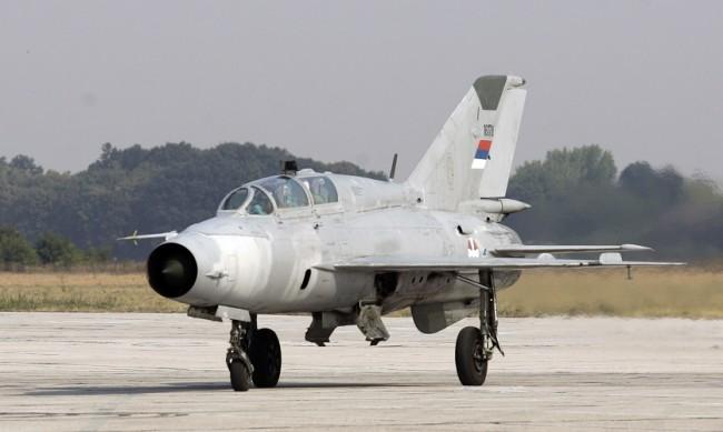 Сръбски военен самолет се разби, пилотът загина