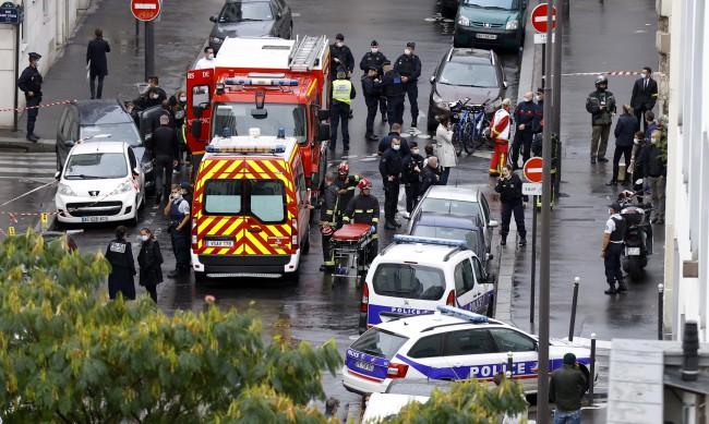 Арестуваха двама за нападението в Париж