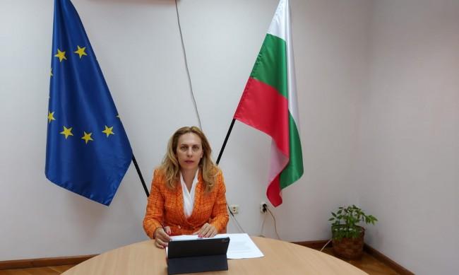 Марияна Николова благодари на българите, че почивали в страната
