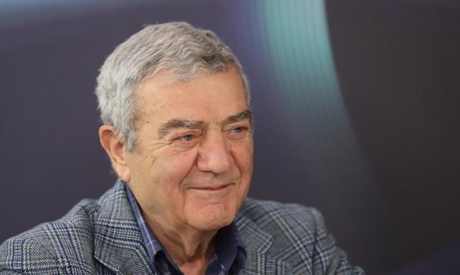 Стефан Цанев: Този протест отблъсква интелектуалците, с простотия се бори простащина