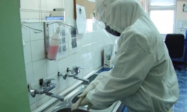 Лекарите в COVID отделенията са на прага на силите си