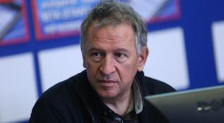 Д-р Стойчо Кацаров: Отнасяйте се с COVID-19 като с грип