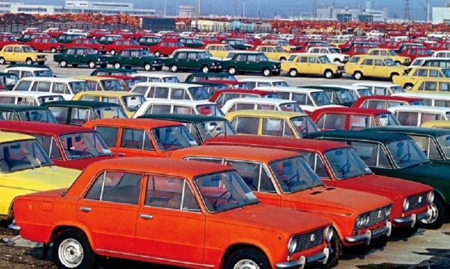 ВАЗ-2101 или Жигули - защо класическият автомобил има две имена?