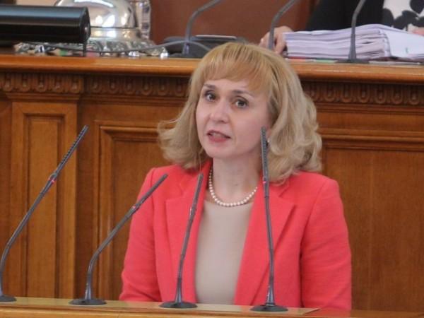 Омбудсманът доц. Диана Ковачева изпрати писмо до председателката на Народното