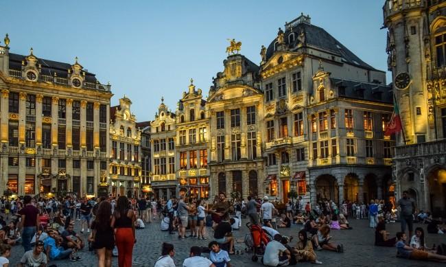Брюксел затвори публичните домове, забрани уличната проституция