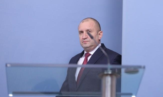 Радев: Държавата трябва да подкрепя отбранителната индустрия