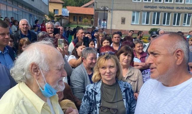 Борисов обеща: По 50 лева за пенсионерите до края на мандата
