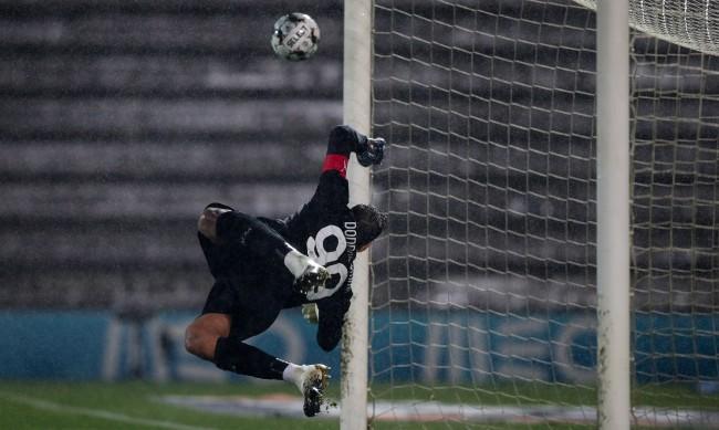 24 дузпи пратиха Милан в групите на Лига Европа