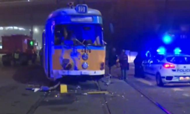Катастрофа в София - удариха се трамвай и камион