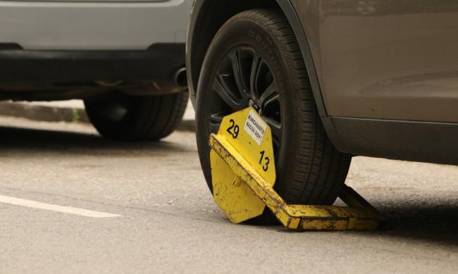 Стриктен контрол и глоби за неправилно паркиране в София
