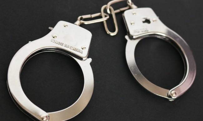 73-годишен мъж е задържан за блудство с 15-годишна