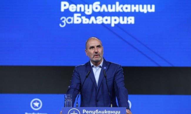 Цветанов с прогноза за изборите: Водещите партии – до 500 000 гласа