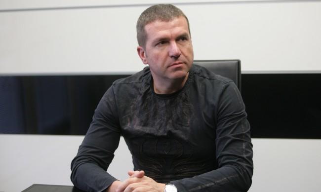 Кристиан Николов не е опитал да спре преди удара в колата на Милен Цветков
