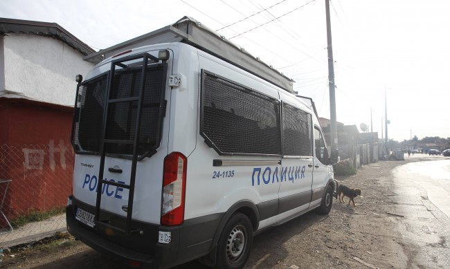 Издирват още хора от бандата за рекет в София