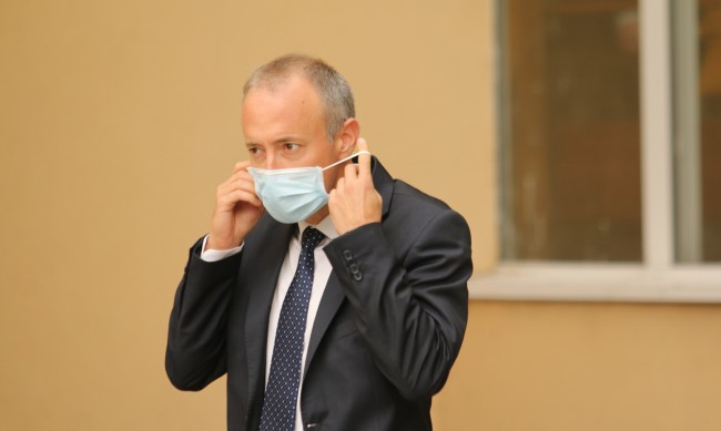 Училищата по-вероятно да затворят заради грип, отколкото заради COVID-19