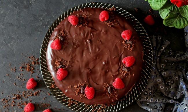 Рецептата Dnes: Сладкиш с шоколадова заливка