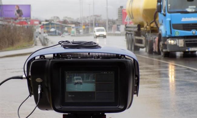 Бързи и яростни в града: С 216 км/ч по Околовръстното шосе на София