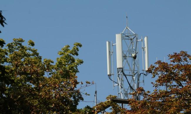 КРС: Внедряването на 5G мрежите у нас се забави с 4-5 месеца