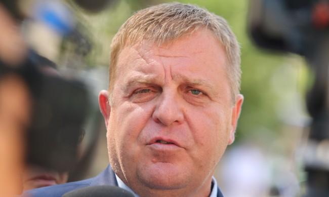 Каракачанов: До дни ще бъде подписан договорът за новите кораби