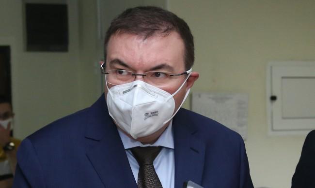 Здравният министър: Няма да се затварят училища в област Търговище