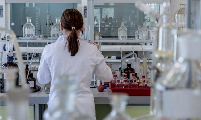 В Добрич набират специалисти за лаборатория за PCR тестове