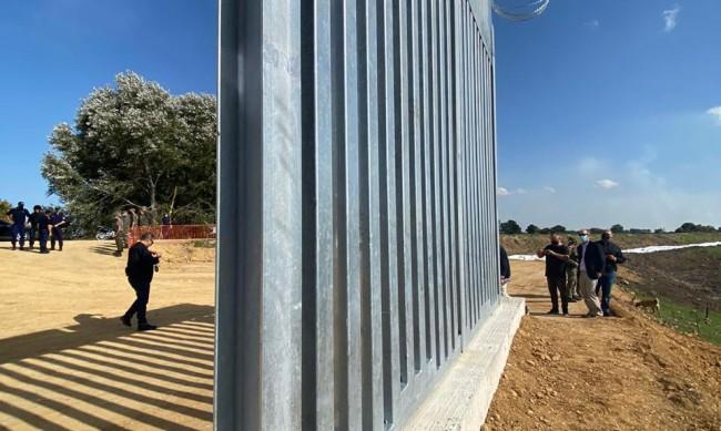 Гърция строи нова ограда по границата с Турция