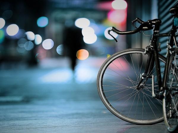 Преди дни мъж успя да отмъкне два велосипеда на различни