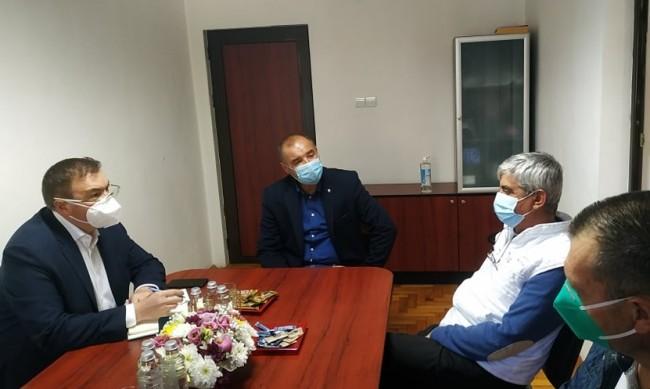 На масата: Ще се обсъжда маските да станат задължителни и на открито