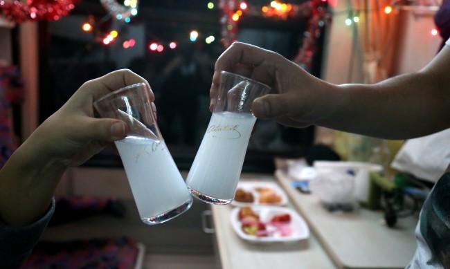 Войната на Ердоган с алкохола: Айран вместо ракъ