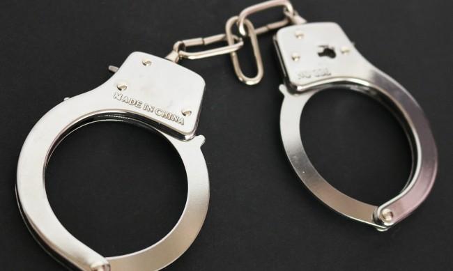 Арест за 48-годишен, системно насилвал съпругата си
