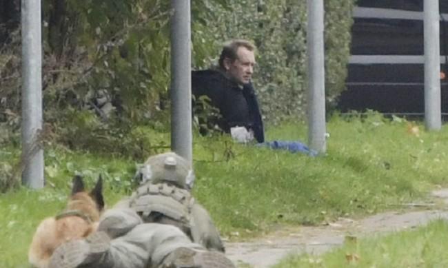 Убиецът, който разчлени журналистка на подводница, пробва бягство