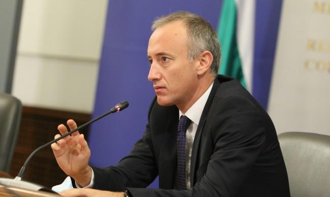 Красимир Вълчев: Не предвиждаме цялостно затваряне на училища