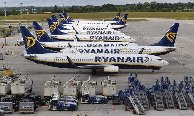 Ryanair планира да лети с почернения Boeing 737 MAX от 2021 г.