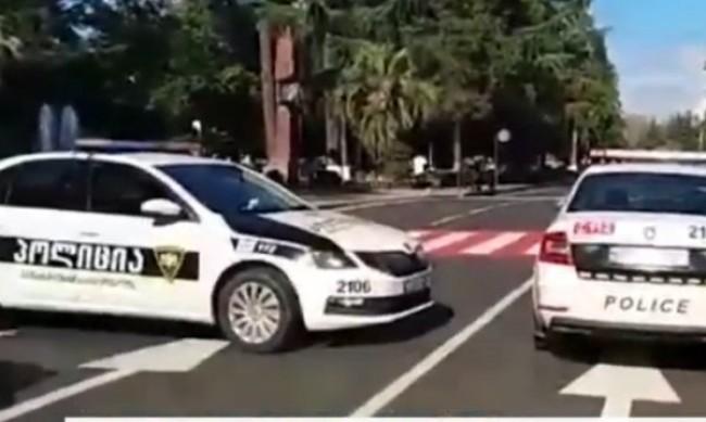 Нападнаха банка в Грузия, около 20 души са  заложници