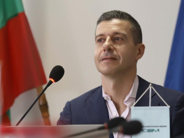 Генералният директор на Българското национално радио Андон Балтаков е внесъл