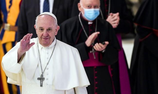 Революция: Папата подкрепи еднополовите бракове