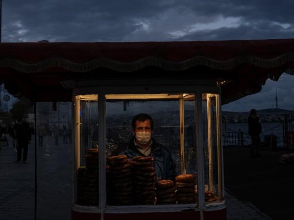 Случаите на новозаразени с коронавирус за ден в Турция за