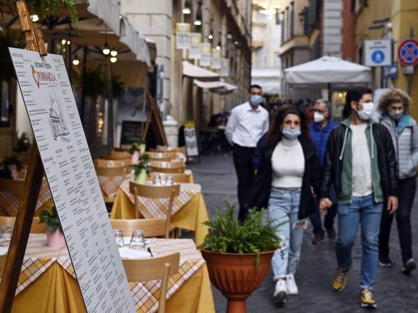 След като Италия се възстанови от първата, изключително тежка вълна
