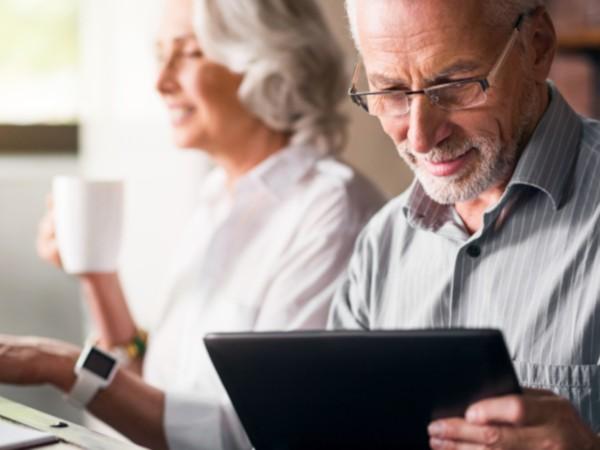 Намирането на подходяща работа за пенсионер е доста трудно, тъй