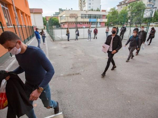 """Българските учители са два пъти повече """"жертва"""" на професионалното прегряване"""
