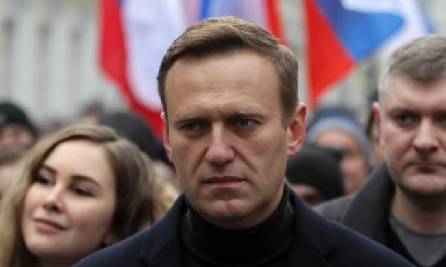 Путин лично бил пратил Навали на лечение в Германия