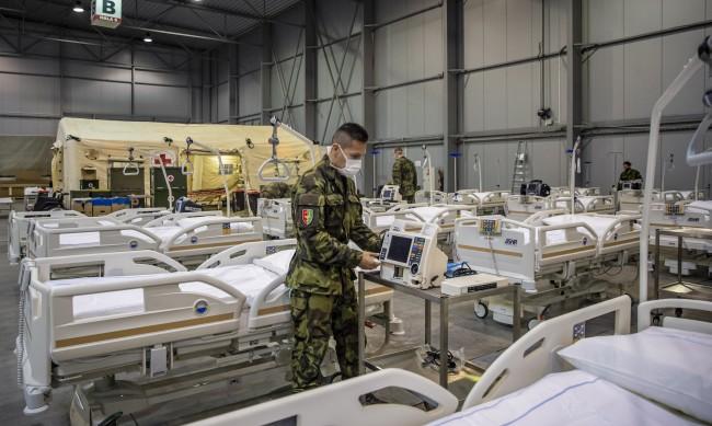 Чехия иска военни лекари от ЕС и НАТО в борбата с COVID-19