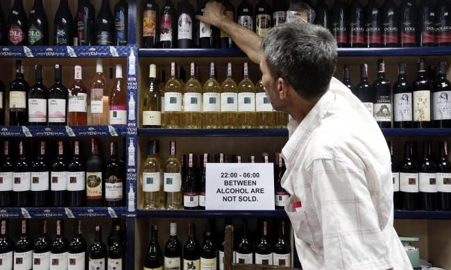 В Турция засилват войната срещу алкохола – глоби до $40 000