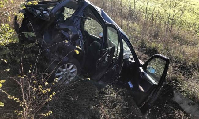 Млада жена загина в катастрофа, кола я удари отзад