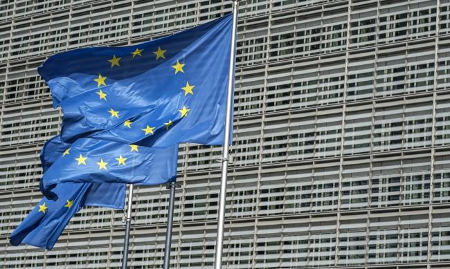 Европроучване: 71% от българите не вярват на правителството, 75% на НС