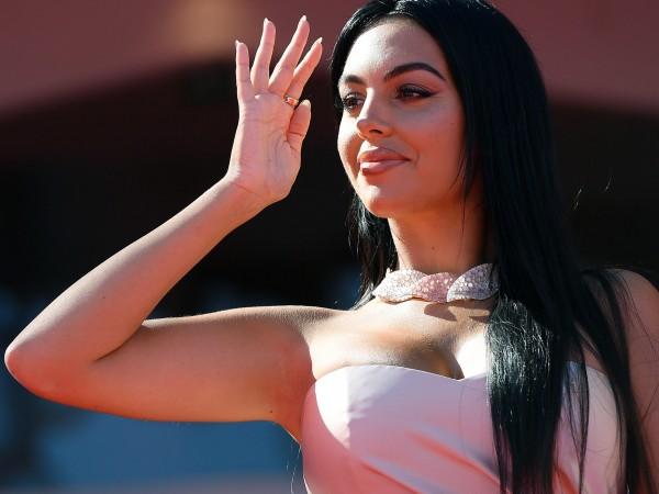 Ким Кардашян от години е считана за звездата с най-горещи