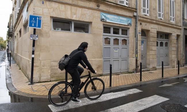 Франция прехвърли 1 милион случая на COVID-19