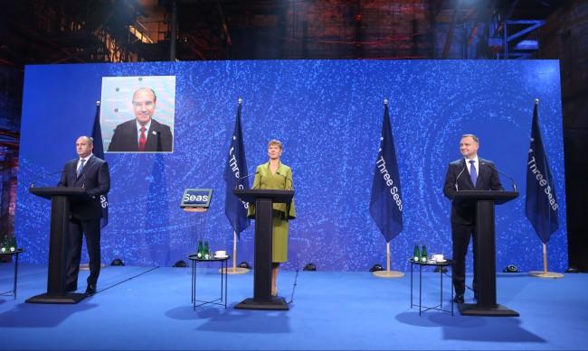 Полският президент се разболял от COVID-19 след срещата с Радев?